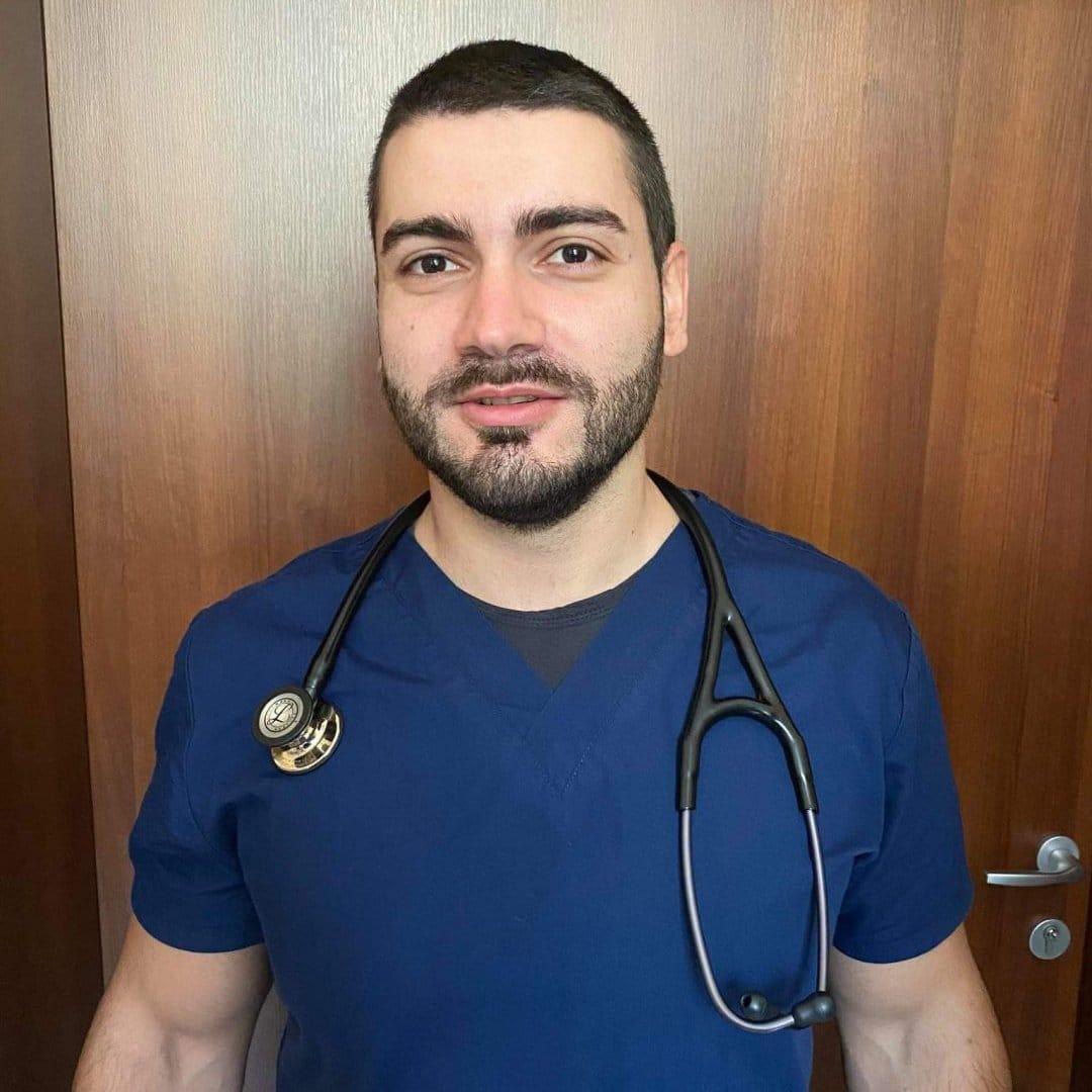 Д-р Цветомил Петров
